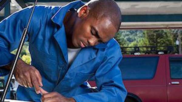 car servicing at ecar workshops